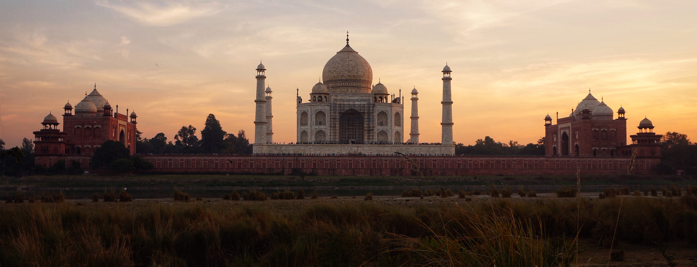 The iconic Taj Mahal, built in the 17th century and inscribed on the World Heritage List in 1983.